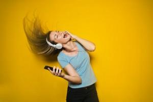 emociones-que los-regalos- promocionales- provocan-en-los-millennials